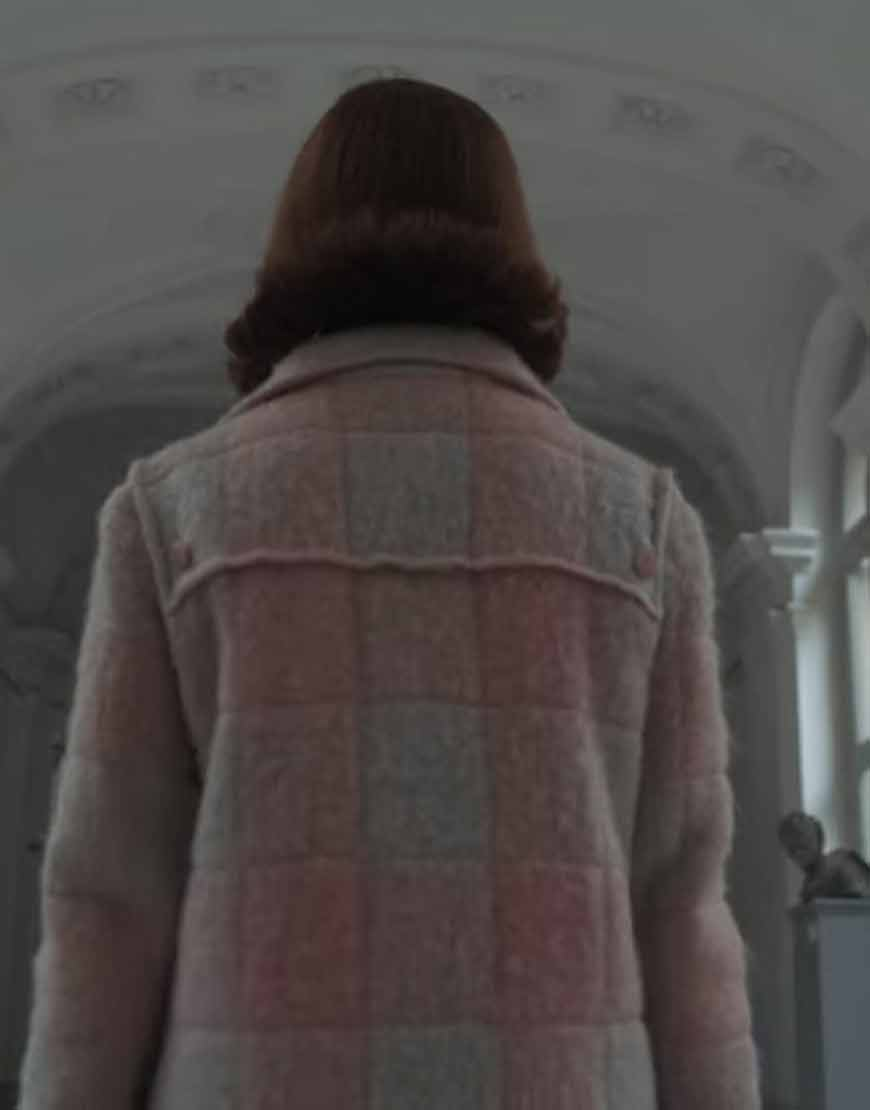 the-queens-gambit-anya-taylor-joy-pink-woolen-coat