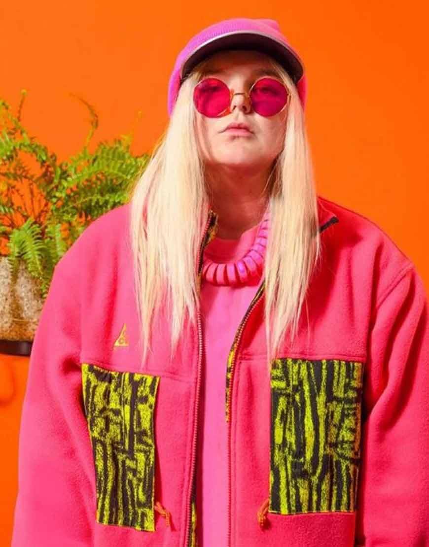 tones-and-i-dance-monkey-Pink-jacket