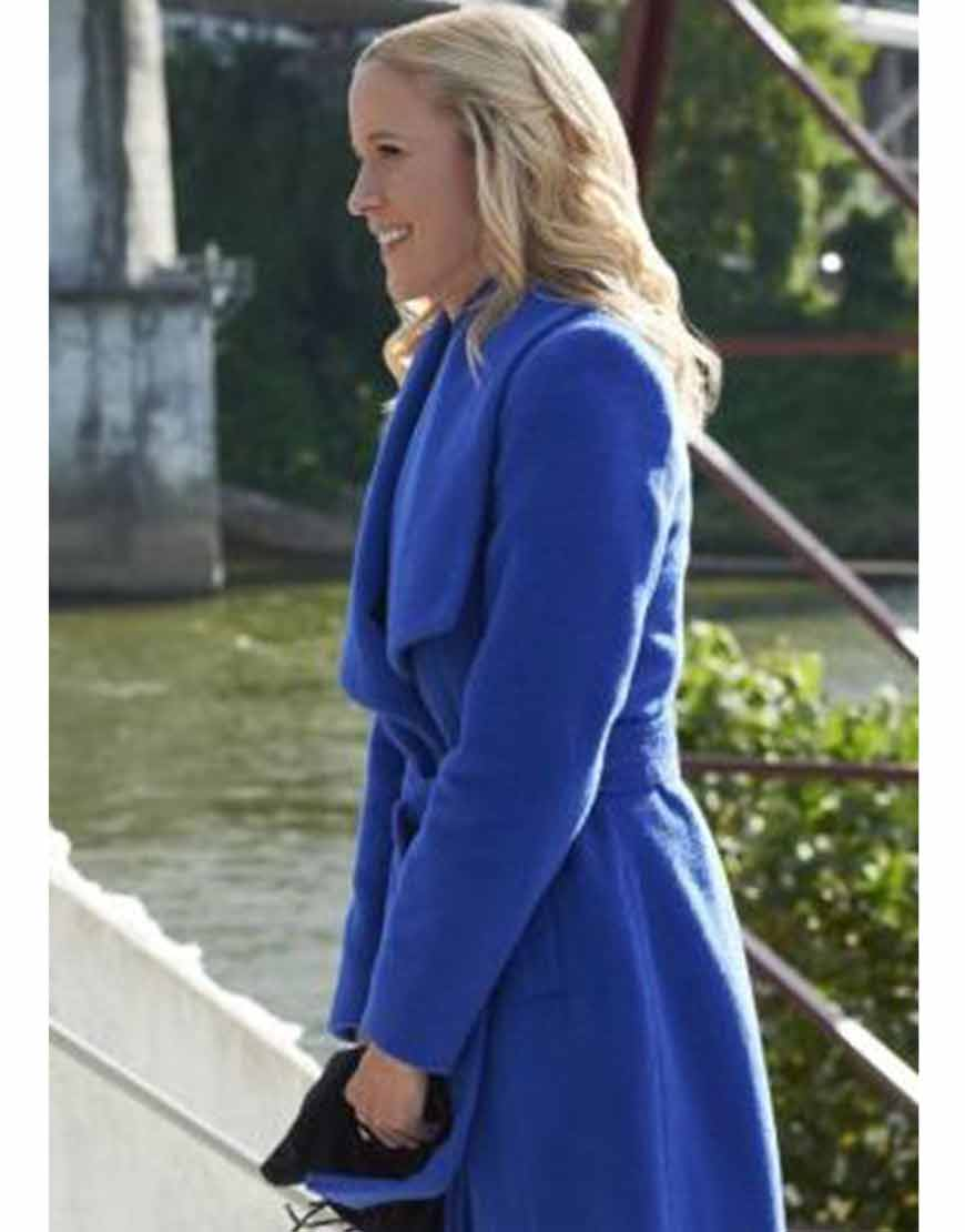 A-Nashville-Christmas-Blue-Coat