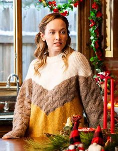 Aubrey-Lang-A-Very-Charming-Christmas-Town-Natalie-Hall-Woolen-Sweater