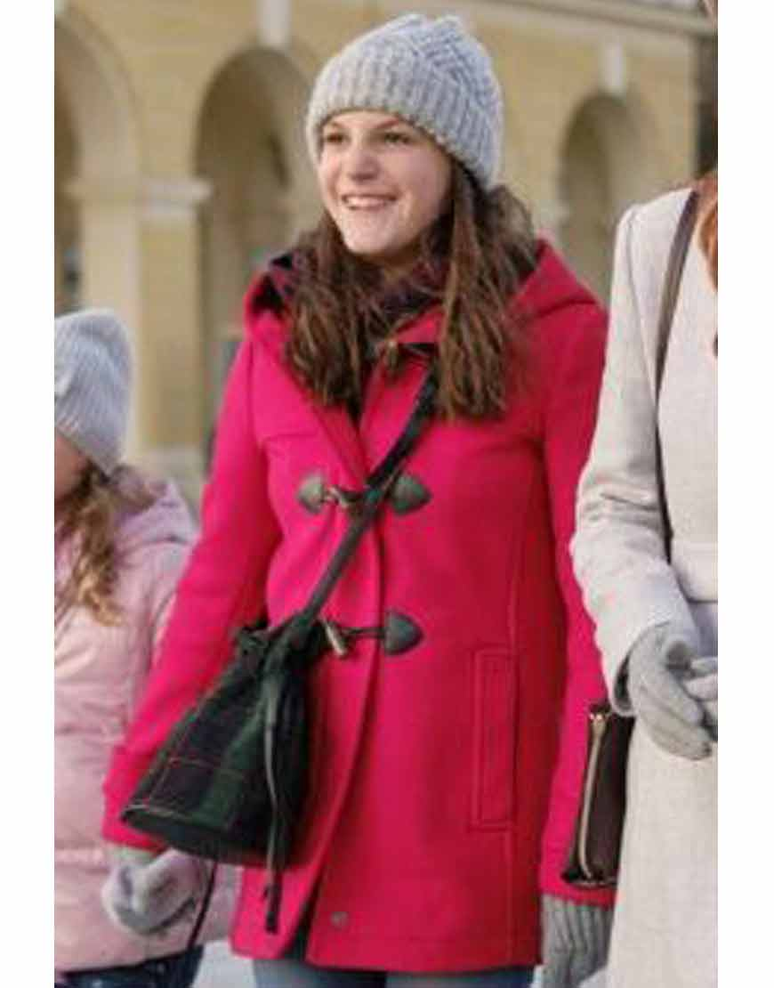 Christmas-in-Vienna-Allegra-Tinnefeld-Red-Hooded-Coat