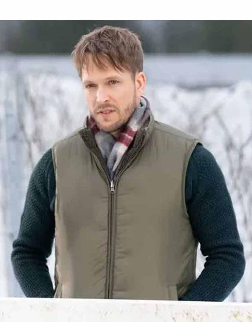 Christmas-on-the-Vine-Jon-Cor-Puffer-Vest