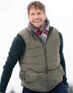 Christmas-on-the-Vine-Tyler-Grey-Vest