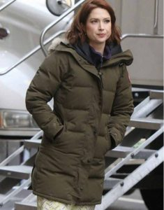 Ellie-Kemper-The-Stand-In--Green-Parachute-Jacket