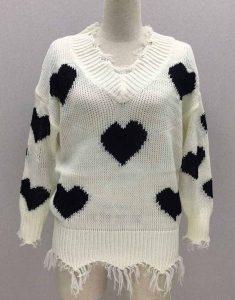 I-Hate-Suzie-Billie-Piper-Black-Heart-Woolen-Sweater