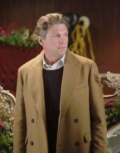Marc-Blucas-Good-Morning-Christmas-Brian-Brown-Coat