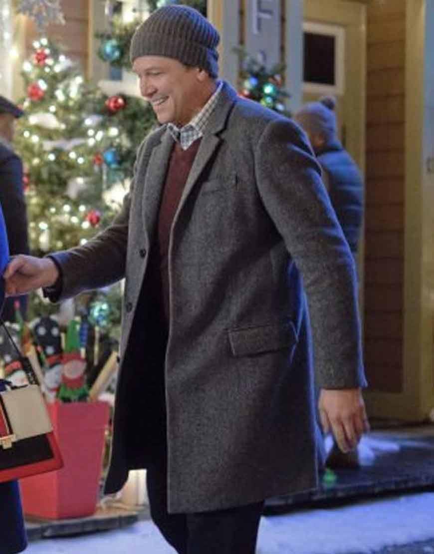 Marc-Blucas-Good-Morning-Christmas-Brian-Grey-WoolBlend-Coat