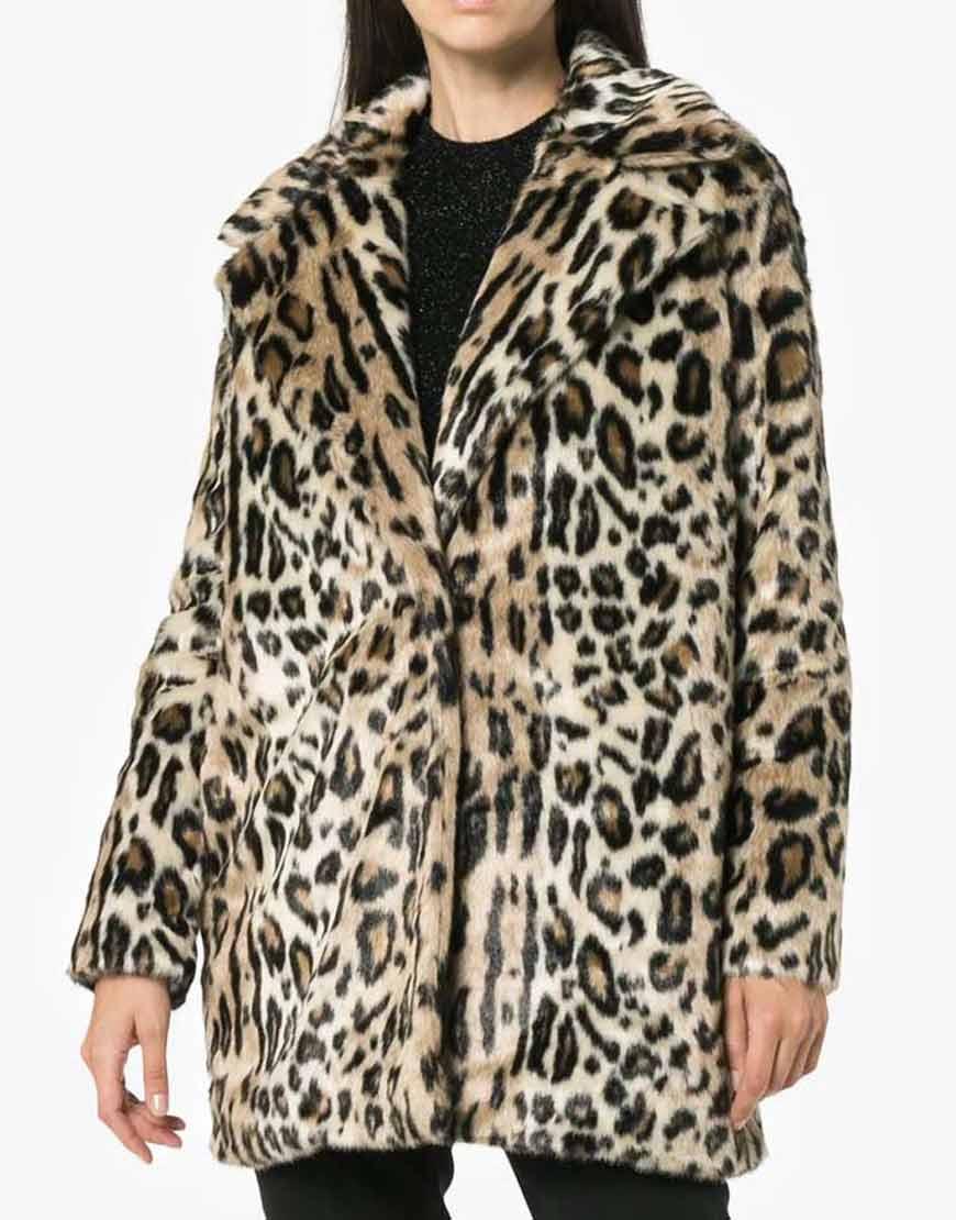 Molly-Bernard-Younger-S06-Lauren-Heller-Cheetah-Print-Coat
