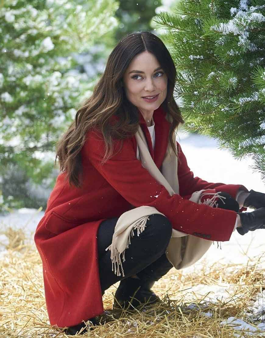 On-the-12th-Date-of-Christmas-Mallory-Jansen-Red-Coat