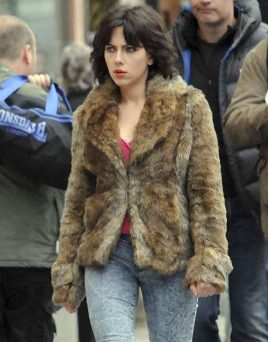 Scarlett-Johansson-Under-The-Skin-Brown-Fur-Jacket