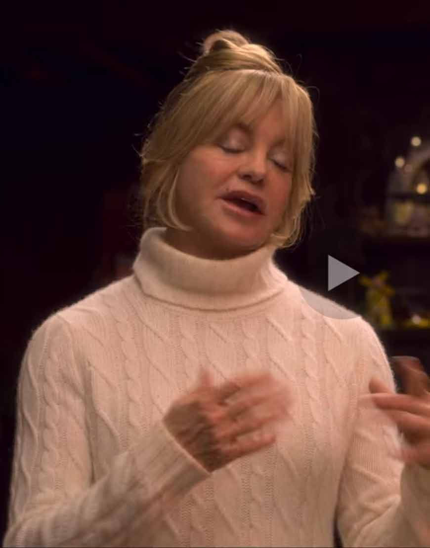 The-Christmas-Chronicles-2-Goldie-Hawn-Sweater