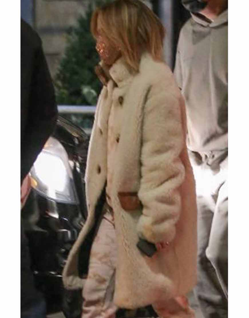 The-Series-Jennifer-Lopez-Fur-Coat