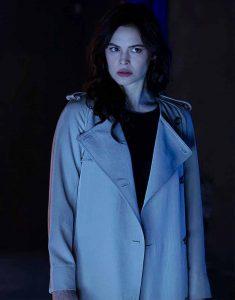 Titans-S03-Donna-Troy-Coat