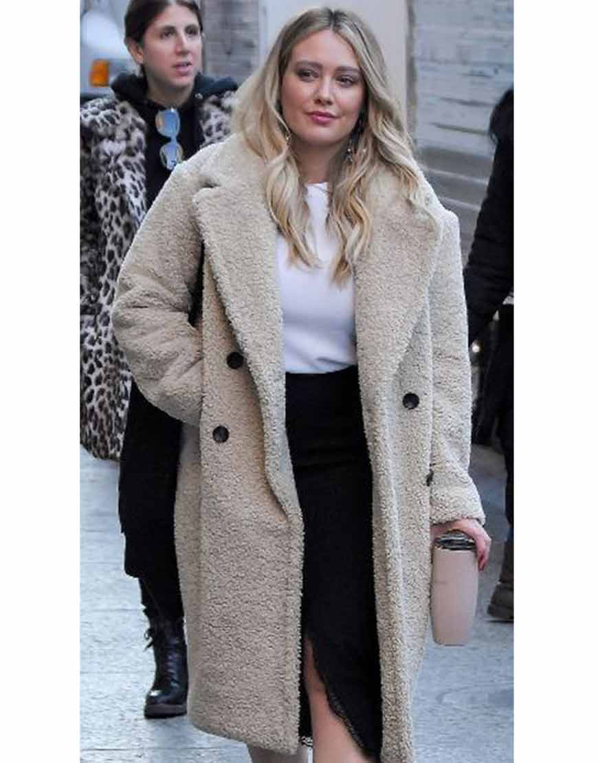 Younger-Hilary-Duff-Kelsey-Peters-S07-Fur-Coat