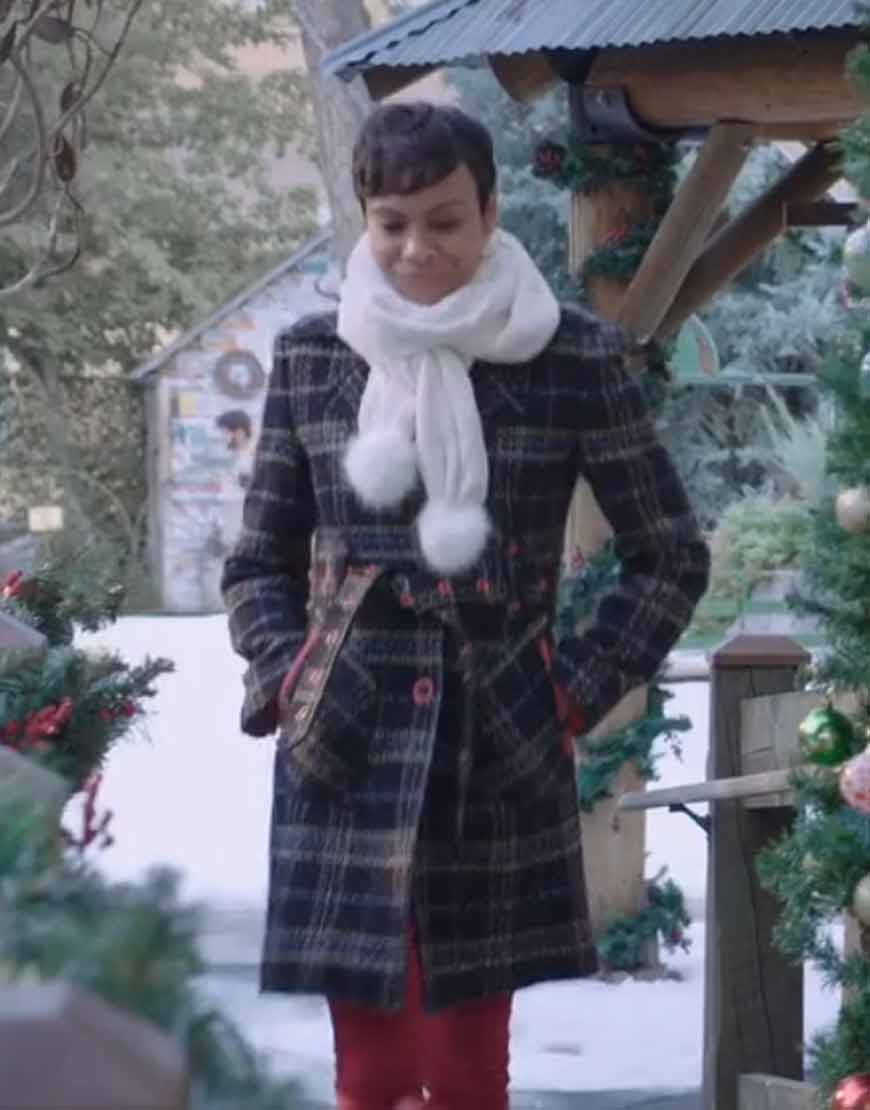 christmas-in-vienna-tina-von-carlowitz-checked-coat