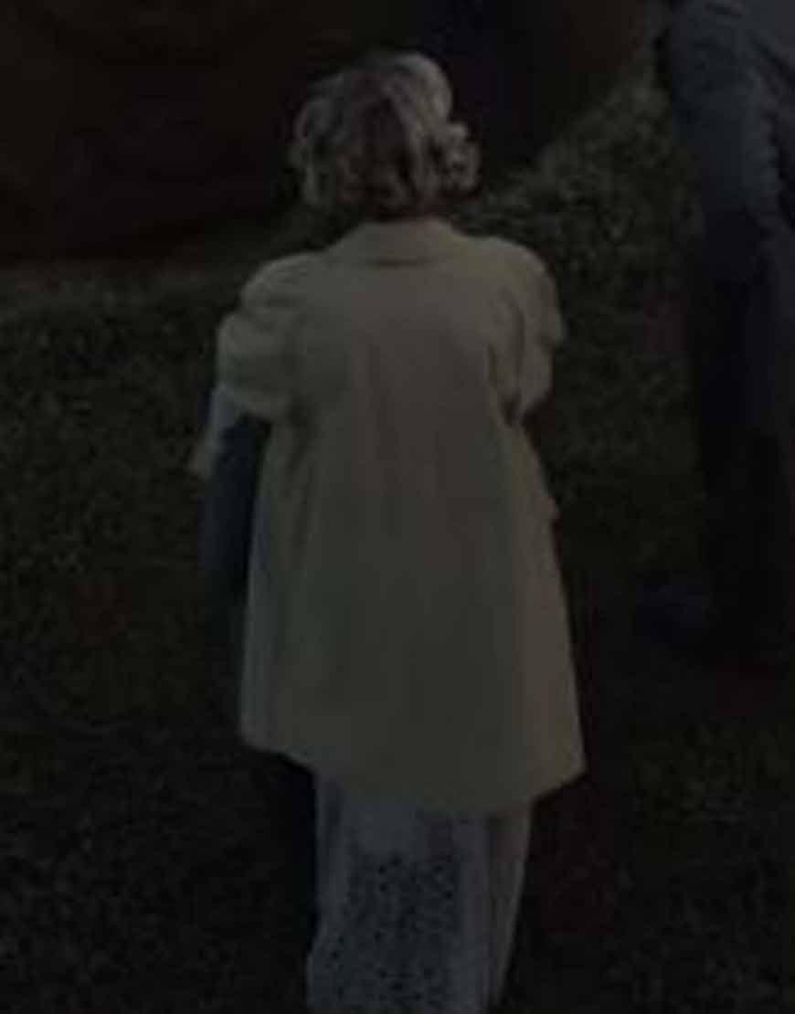 Carey-Mulligan-The-Dig-Long-Trench-Coat