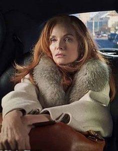 Frances-Price-French-Exit-2021-Michelle-Pfeiffer-White-Fur-Collar-Coat