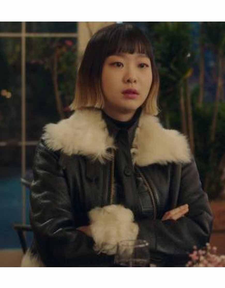 Itaewon-Class-Kim-Da-Mi-Black-Fur-Jacket