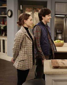 Last-Man-Standing-Kaitlyn-Dever-Coat