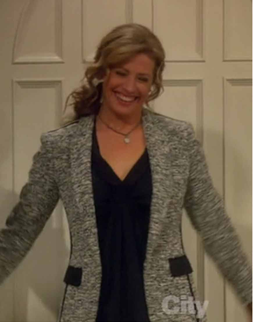 Last-Man-Standing-Nancy-Travis-Grey-Blazer