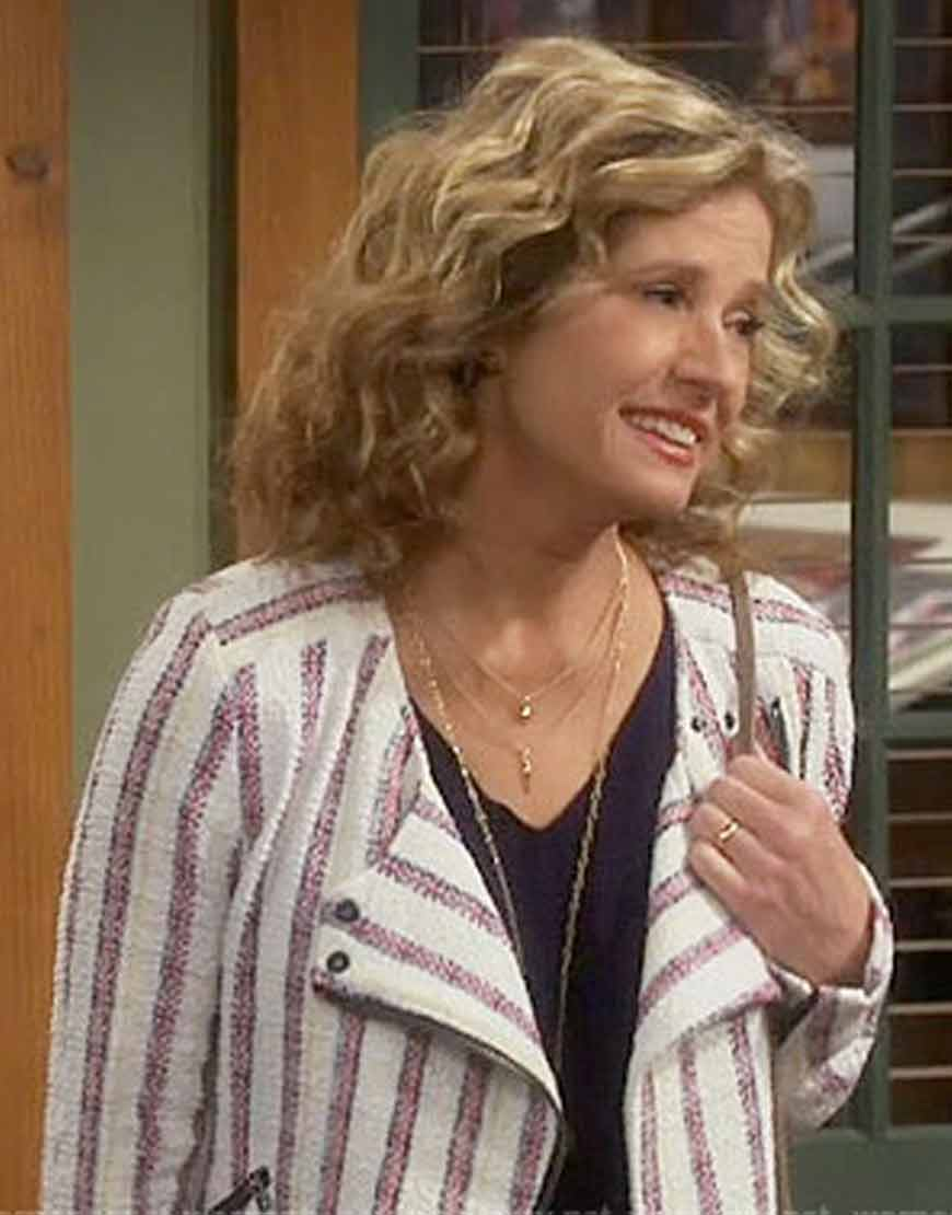Last-Man-Standing-Nancy-Travis-Striped-Jacket