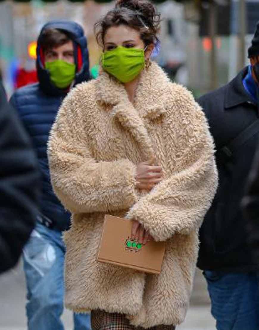 Only-Murders-in-the-Building-Selena-Gomez-Beige-eiFur-Coat