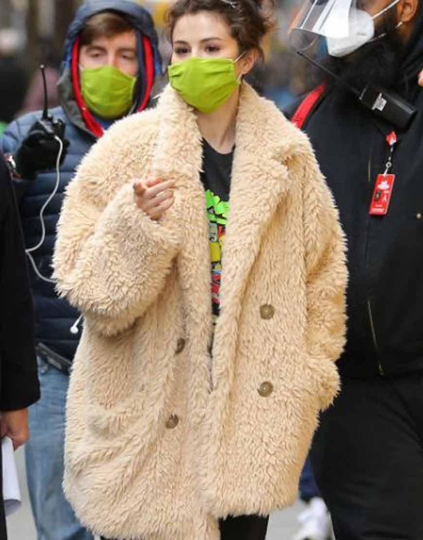 Only-Murders-in-the-Building-Selena-Gomez-Bge-eiFur-Coat