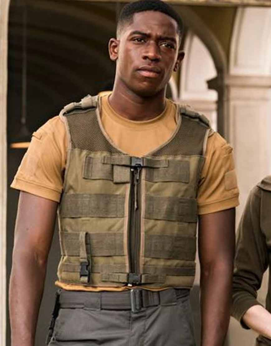 Outside-The-Wire-Damson-Idris-Cotton-Vest