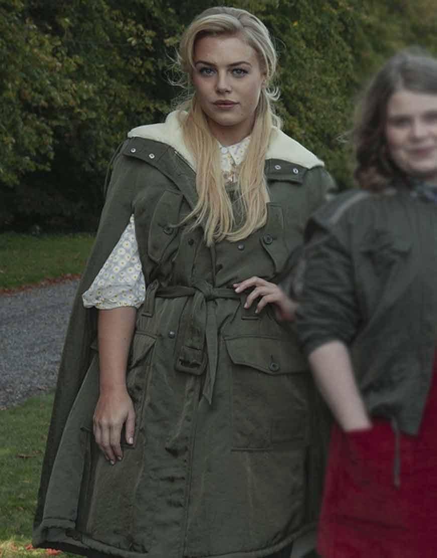 Fate-The-Winx-Saga-Hannah-van-der-Westhuysen-Shearlin-Coat
