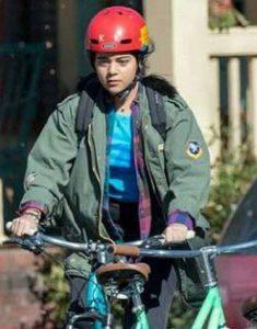 Kamala-Khan-Ms.-Marvel-Iman-Vellani-Green-Jacket-
