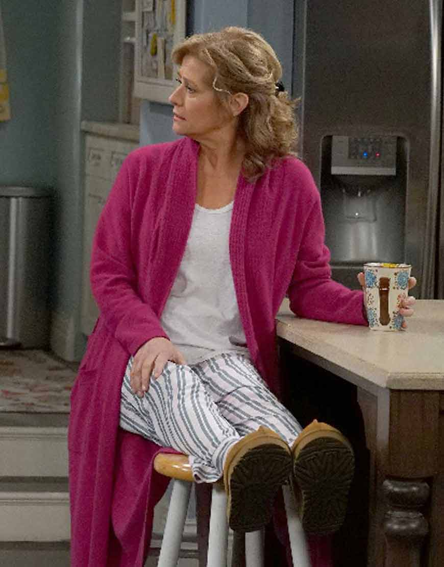 Last-Man-Standing-Vanessa-Baxter-Pink-Coat
