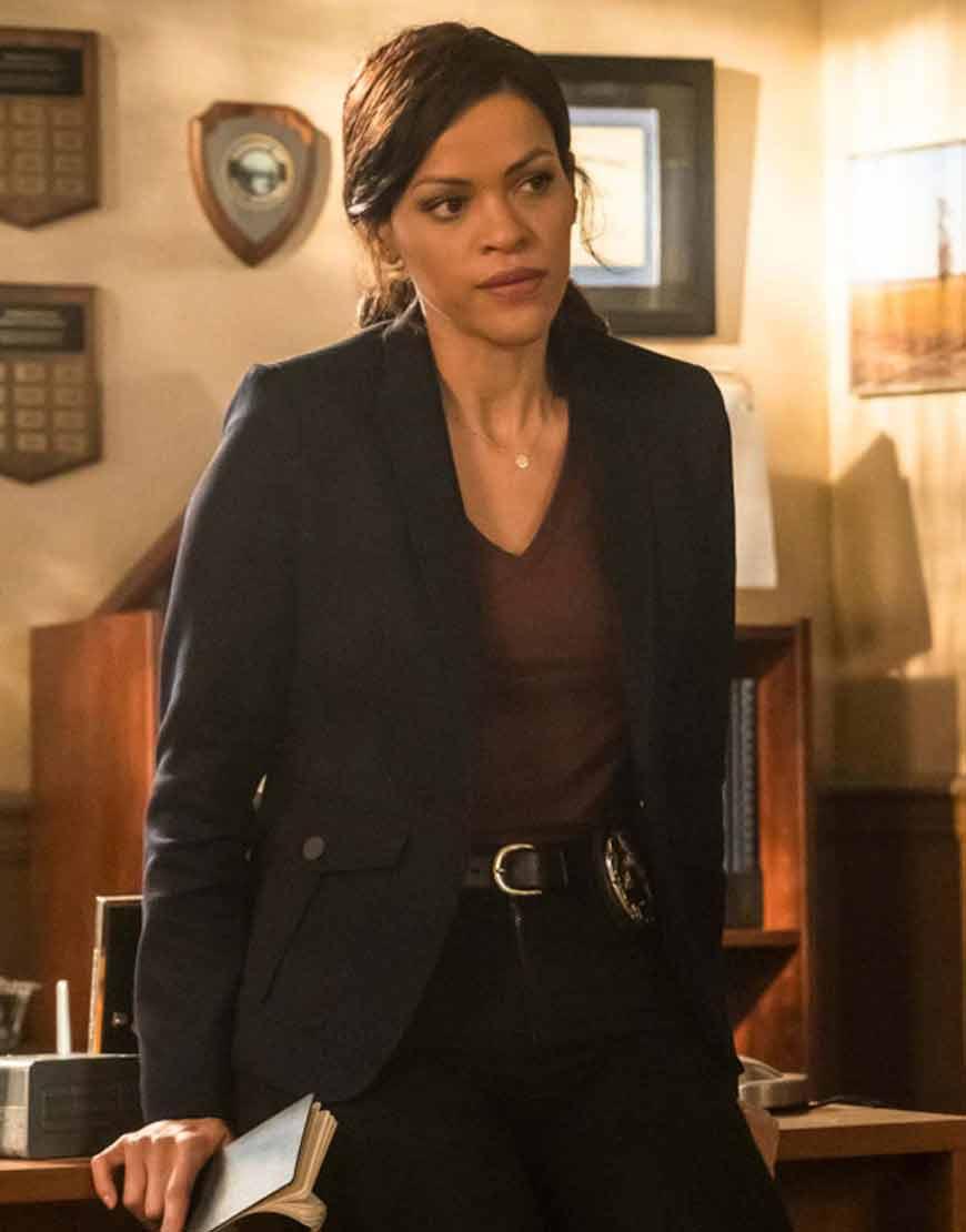 Nancy-Drew-Detective-Karen-Hart-Black-Blazer
