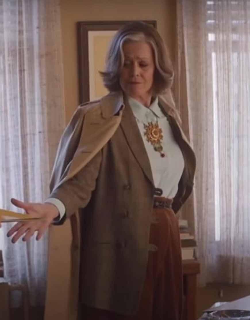 My-Salinger-Year-2021-Sigourney-Weaver-Brown-Coat