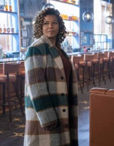 Queen-Latifah-The-Equalizer-2021-Robyn-McCall-Checkered-Trench-Coat