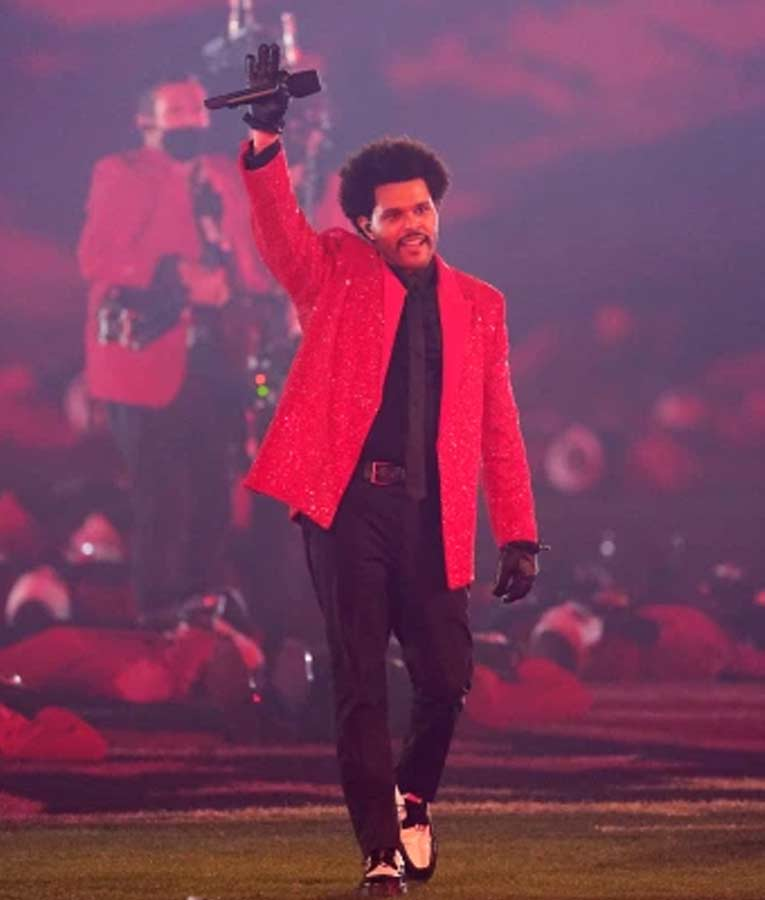 The-Weeknd-Super-Bowl-Red-Blazer