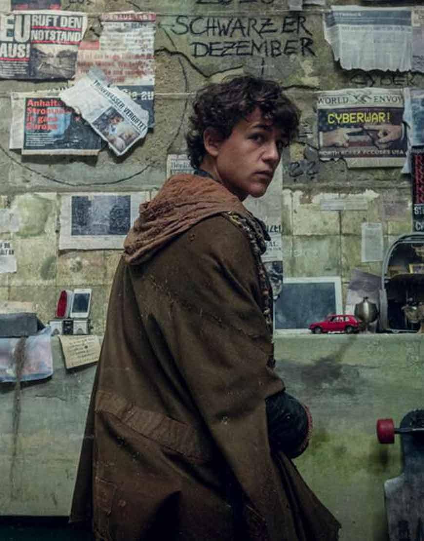 Tribes-of-Europa--David-Ali-Rashed-Brown-Hooded-Coat