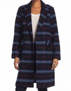 Jenny-Boyd-Legacies-S03-Lizzy-Saltzman-Checked-Coats