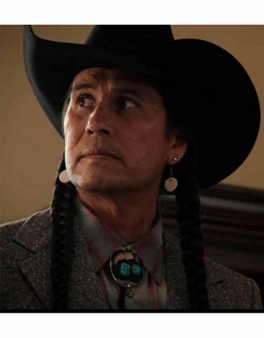 Mo-Bring-Plenty-Yellowstone-S04-Grey-Coat