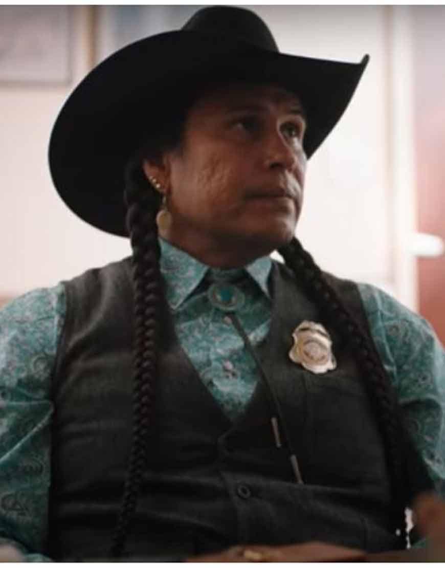 Mo-Bring-Plenty-Yellowstone-S04-Rainwater-Driver-Black-Vest