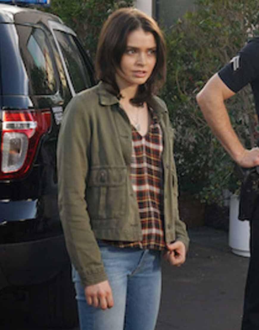 The-Rookie-S03-Abigail-Jacket