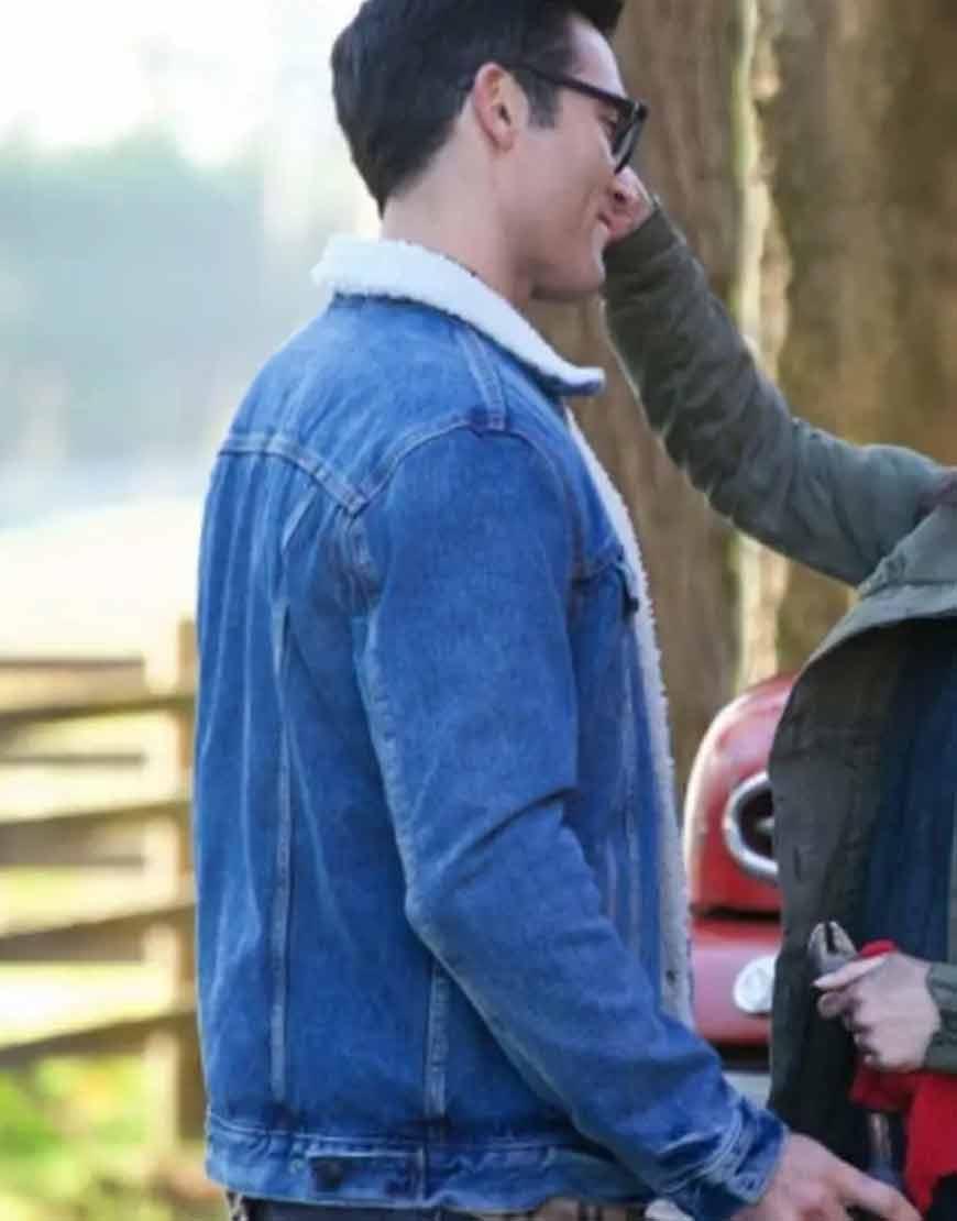 Tyler-Hoechlin-Superman-and-Lois-2021-Clark-Kent-Blue-Denim-Jacket