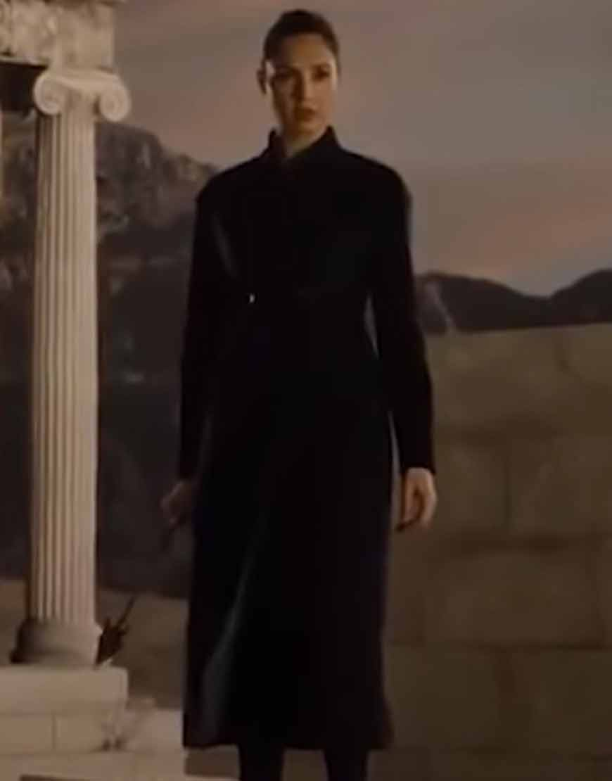 Zack-Snyders-Justice-League-2021-Black-Coat
