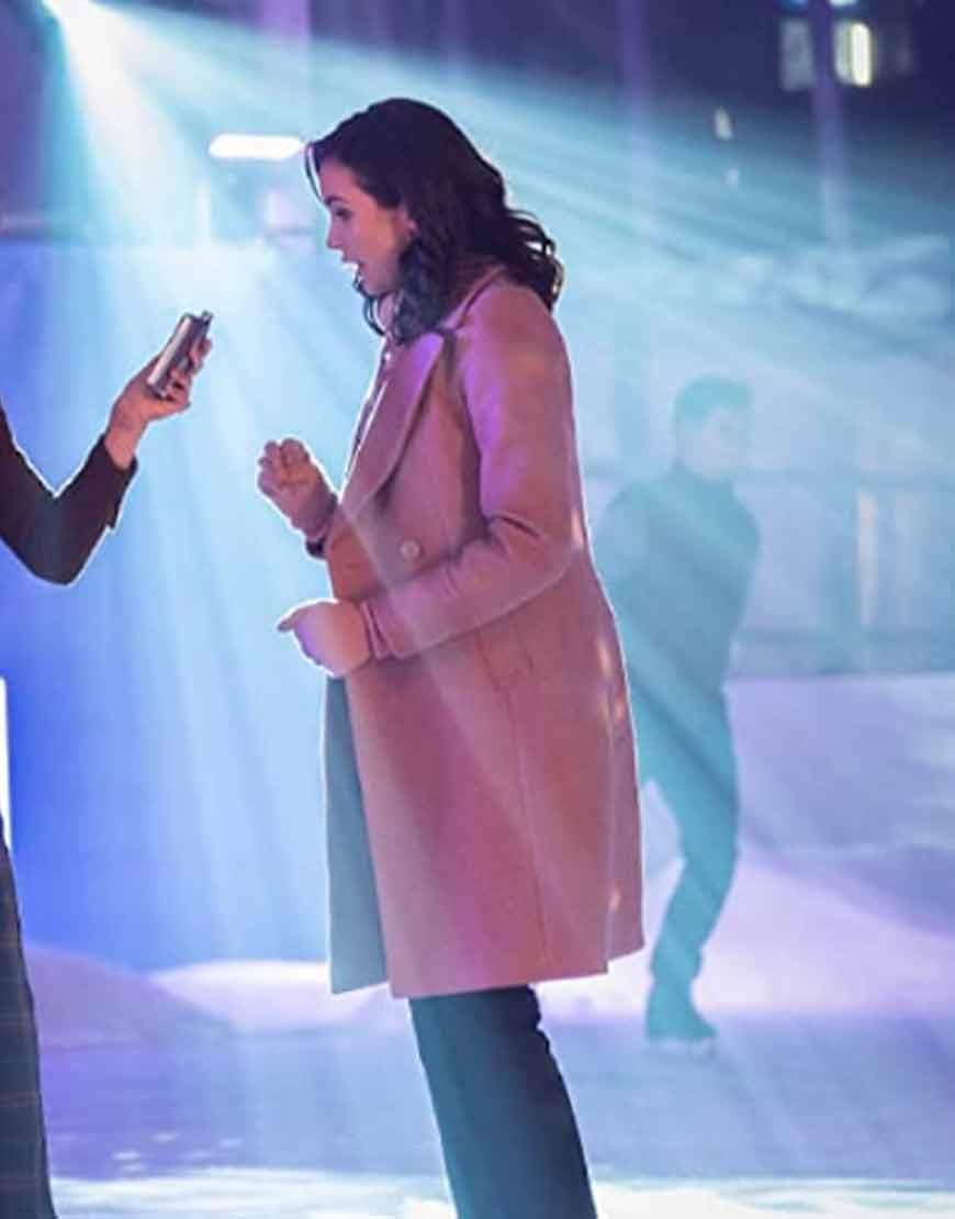 Nancy-Drew-S02-Kennedy-McMann-Pink-Coat