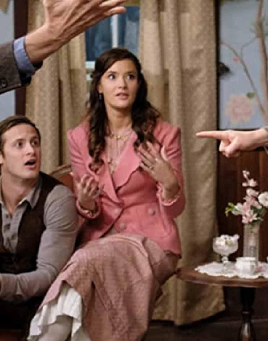 When-Calls-the-Heart-S08-Eva-Bourne-Pink-Coat