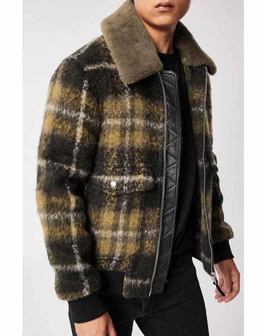 Big-Sky-2021-Cassie-Dewell-Bomber-Jacket-fur-Collar