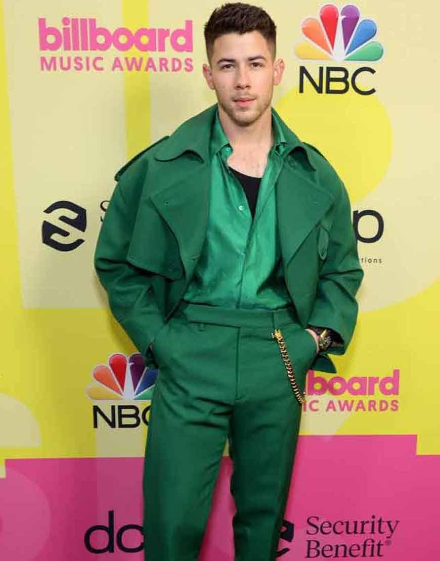 Billboard-Music-Awards-21-Nick-Jonas-Green-Peacoat