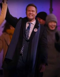 Ginny-and-Georgia-2021-Mayor-Paul-Randolph-Coat