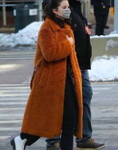 Only-Murders-In-The-Building-2021-Mabel-Brown-Fur-Coat