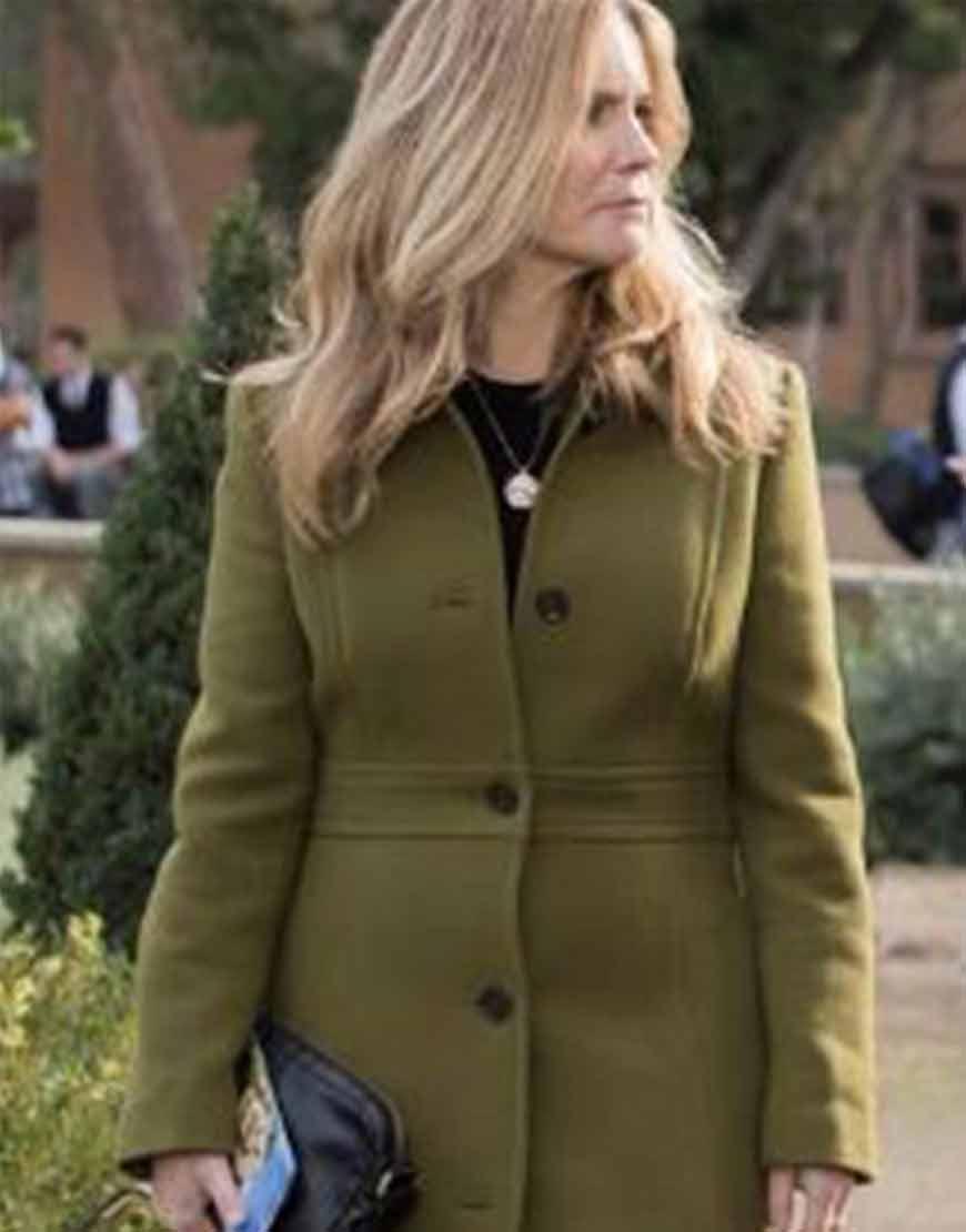 Atypical-S04-Jennifer-Jason-Leigh-Freen-Coat