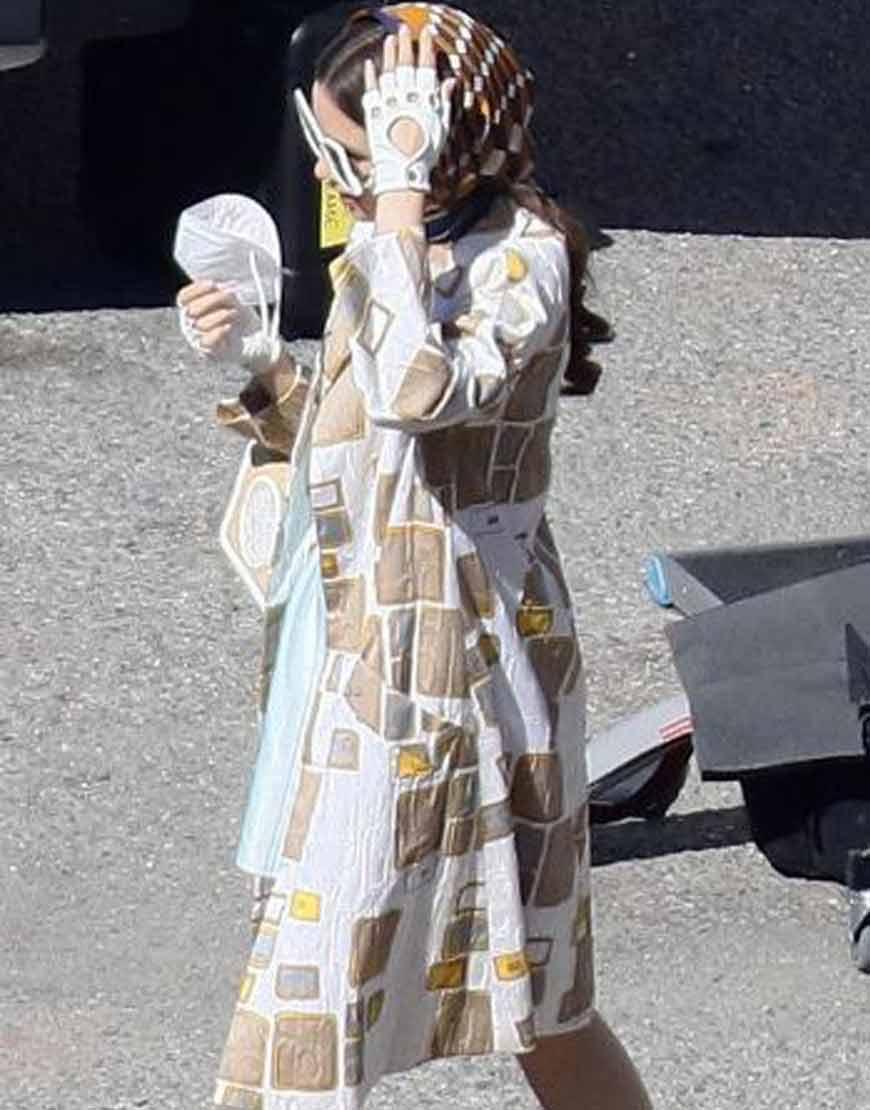 Emily-In-Paris-Season02-Lily-Collins-Coat